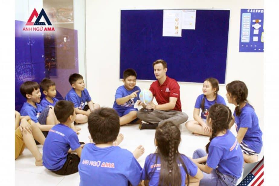 Ama luyện thi Ielts, Toeic và tiếng Anh trẻ em